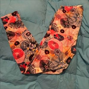 Pants - NEW! OS LEGGINGS FITS 2-12 comfortably!!!!